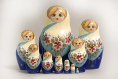 Authentiques poupées russes - Commerce équitable✋Russian Matriochka / Nesting Dolls : ✋Russian ArtMore Pins Like This At FOSTERGINGER @ Pinterest✋