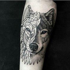 #inspirationtatto  Artista: 💉 lucasm_tattoo Tatuagem Lobo