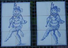 twee doedelzakspelers op 6 tegels, geschilderd met kobaltoxide op tinglazuur.
