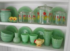 Nice canister set - it would look great in my kitchen! I like the jadeite, too, but I'm out of room for anything else in my small kitchen. Vintage Kitchenware, Vintage Dishes, Vintage Glassware, Vintage China, Vintage Green, Vintage Pyrex, Vintage Stuff, Small American Kitchens, Glass Collection