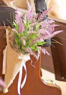 Ya en un post hablamos de los conos de papel para llenarlos de arroz o confetti como alternativa a las bolsitas:         Este cono a mí pers...