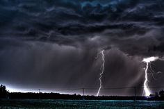http://www.incrediblesnaps.com/lightning-and-thunder-pictures-collection