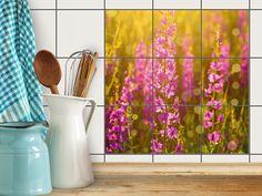 Mit Fliesenaufkleber Quadratisch Für Küche Und Bad Mit Dem Design Flower  Meadow. Die Folie Ist Einfach Aufzubringen Und Rückstandsfrei Wieder  Abzulösen.