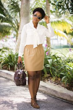 c83c2e2c1baee business casual work outfit with pussy bow blouse women fashion Classic  Work Outfits