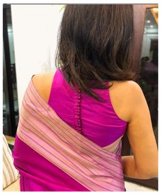 Blouse Back Neck Designs, Silk Saree Blouse Designs, Fancy Blouse Designs, Blouse Patterns, Traditional Blouse Designs, Stylish Blouse Design, Sari Dress, Indian Blouse, Indian Wear