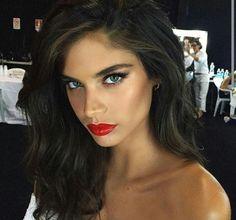 Sara Sampaio- Makeup by Hung Vanngo #vsholiday