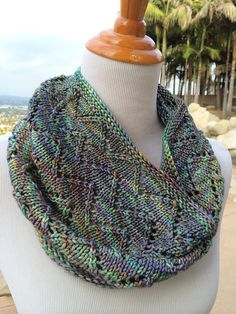 Knitting Patterns Cowl Downton Cowl by Shannon Cook. malabrigo Rios in Indiecita. Beginner Knitting Patterns, Loom Knitting Projects, Knit Patterns, Hand Knitting, Flamingo Party, Knit Cowl, Knit Crochet, Knitted Coat Pattern, Poncho