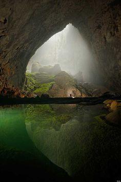 Desciende profundamente en la cueva más grande del mundo en Vietnam Son Doong