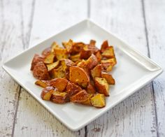 Easy oven roasted potatoes recipe that is great even for weeknight dinners! #recipes