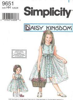 "SIMPLICITY 9651 DAISY KINGDOM GIRLS' DRESS W/ DETACHABLE OVERSKIRT + 18"" DOLL DRESS (SIZE 3,4,5,6) SEWING PATTERN SIMPLICITY http://www.amazon.com/dp/B00HZ3WBES/ref=cm_sw_r_pi_dp_Qgdgvb1G6M09J"