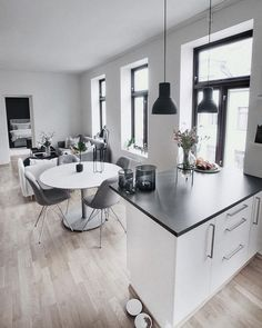 Home Interior Living Room 52 Modern Kitchen To Inspire Your Ego interiors homedecor interiordesign homedecortips Small Apartment Design, Small Apartments, Small Apartment Living, Easy Home Decor, Home Decor Trends, Decor Ideas, Living Room Designs, Living Room Decor, Interior Design Boards