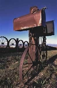 Rusty Country mailbox