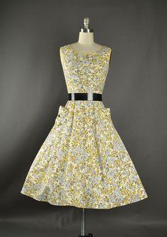 1950s Dress / floral cotton day dress / 50s