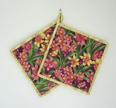 Set of Two Quilted Potholders Spring Flowers by ISewTotes on Etsy