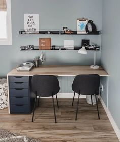 This plywood DIY double desk is the perfect solution for a shared kids space- plus it's an IKEA hack! Using maple plywood, this desk is a modern design element. Home Office Space, Home Office Design, Home Office Decor, Home Decor, Kids Desk Space, Kids Workspace, Ikea Office, Ikea Desk, Diy Desk