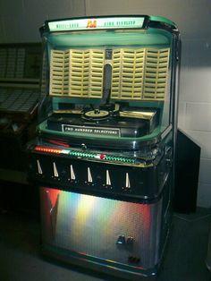 Jukebox, Ami I 200 Antique Record Player, Music Machine, Music Hits, Rock Concert, Dance Hall, Vintage Music, Radios, Jukebox, Mid-century Modern