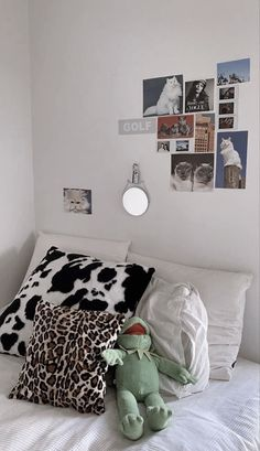 Cute Room Ideas, Cute Room Decor, Study Room Decor, Room Ideas Bedroom, Bedroom Decor, Bedroom Inspo, Bedroom Signs, Bedroom Furniture, Chill Room
