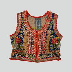 Bodice of the folk costume from Kraków West. Textiles, Boho Fashion, Autumn Fashion, Fashion Design, Polish Embroidery, Afghani Clothes, Vintage Outfits, Parisienne Chic, Bohemian Mode