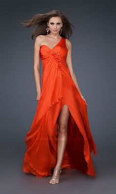this is amazing love the color perfect for fall wedding.