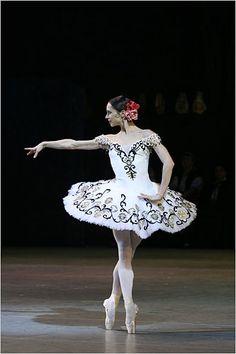 """Diana Vishneva (Kitri) with the Mariinsky Theatre Company in """"Don Quixote"""""""