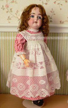 Porcelain Stories From China To Europe Antique Dolls, Vintage Dolls, Sock Dolls, China Dolls, Alexander Dolls, Doll Costume, Bisque Doll, Little Girl Dresses, Girls Dresses