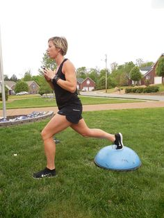 fitness - 6 Ways a Bosu Ball Can Help You Sculpt Great Legs Personal Fitness, Physical Fitness, Body Fitness, Fitness Nutrition, Erin Oprea, Carrie Underwood Workout, Bosu Ball, Thigh Exercises, Thigh Workouts
