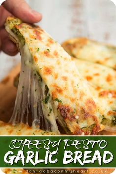 This Cheesy Pesto Garlic Bread is like homemade garlic bread, only 1000000x more delicious!! #garlic #pesto #bread #cheese #garlicbread | www.dontgobaconmyheart.co.uk Vegetarian Recipes, Cooking Recipes, Healthy Recipes, Bread Recipes, Burger Recipes, Cooking Tips, Cooking Pasta, Cheesy Recipes, Food Tips