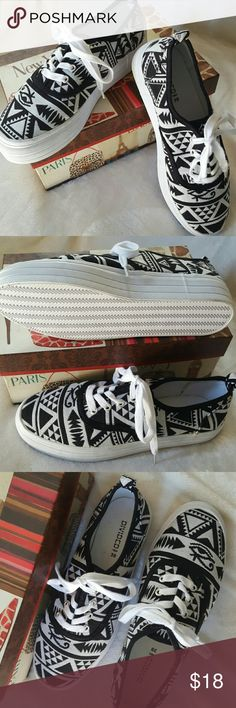 DIVIDED..H&M Athletic Shoe Black & white tribal print athletic shoe.. one inch sole...size 9.5 DIVIDED H&M Shoes Sneakers