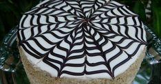 Névnaprakészítettem ezt a tortát, amelyet Suncika blogján  olvastam,aki Citromhabtól kölcsönözte a receptet.  Ők 24 cm-es formában sütött...