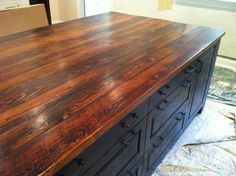 not these ones- but love the idea of reclaimed barnwood counters in the kitchen? with white cabinets & blue stove Reclaimed Wood Counter, Reclaimed Barn Wood, Weathered Wood, Custom Countertops, Wood Countertops, Kitchen Redo, Kitchen Remodel, Kitchen Ideas, Kitchen Island