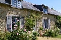 Ferienhäuser Bretagne mitten im Grünen nahe am Meer, mit Hund