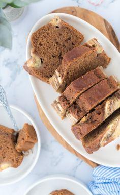Heerlijk vegan bananenbrood met koekkruiden! Vegan Baking, Vegan Desserts, Healthy Recipes, Healthy Food, Banana Bread, Sweets, Cooking, Breakfast, Cake