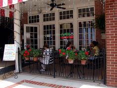 Square Market Cafe on the square in downtown Columbia, a great place for lunch and dinner