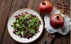 Un'insalata buona e molto bella, che contribuirà a decorare la tavola delle Feste