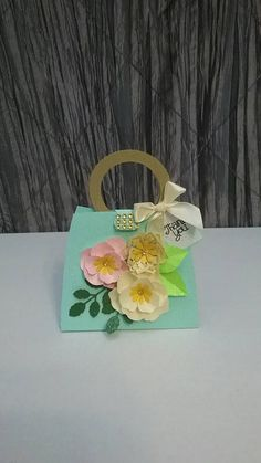 Check out this item in my Etsy shop https://www.etsy.com/listing/278152878/10-pc-paper-purse-favor-box-paper