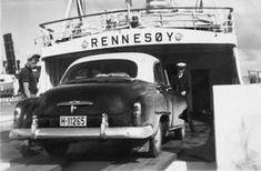 Bil ombord på båten Rennesøy. Familien Øverland på ferietur til Stavanger med familiens nye Chevrolet 1951 modell. - Norsk Industriarbeidermuseum / DigitaltMuseum