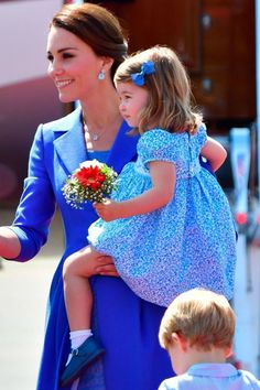 Princess Charlotte Just Received Her First Bouquet on the Royal Tour