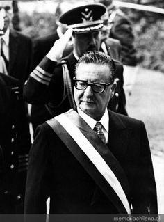 Salvador Allende (1908-1973). Médico cirujano, militante socialista y Presidente de Chile. (Asesinado por el Golpe Militar).