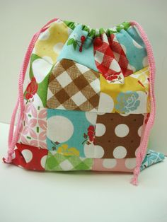 Bee In My Bonnet: A Cute Little Patchwork Bag... TUTORIAL