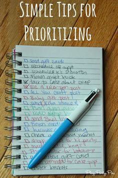 Great tips for how to prioritize using a four colored Bic pen Filofax, Planner Organization, Storage Organization, Organisation Ideas, Planners, Time Management Tips, Stress Management, Organize Your Life, Prioritize