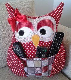 Fabric Crafts Make a Owl Pillow Remote - Women's Fashion Ideas - - Fabric Crafts Make a Owl Pillow Remote – Women's Fashion Ideas DIY und Selbermachen Stoff Handwerk machen eine Eule Kissen Fernbedienung – Damenmode Ideen Owl Sewing, Sewing Toys, Sewing Crafts, Sewing Projects, Sewing Stuffed Animals, Stuffed Toys Patterns, Remote Holder, Owl Cushion, Owl Pillow
