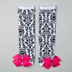Damask Legwarmers - AH! Could you see these on a chubby baby girl? Little Girl Outfits, My Little Girl, My Baby Girl, Chubby Babies, Cute Babies, Future Baby, To My Daughter, Kids Fashion, Pink Bows