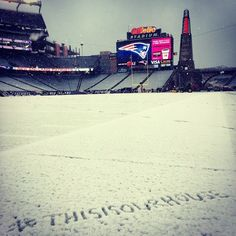#thisisourhouse Manning is 8-11 in temps under 40 degrees and 1-4 at Foxboro!!