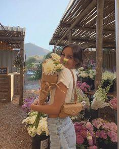 Picture Poses, Photo Poses, Ideas Para Photoshoot, Photoshoot Fashion, Fitness Photoshoot, Emma Rose, Instagram Pose, Instagram Lifestyle, Instagram Summer