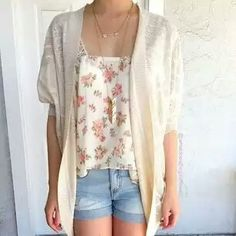 Romantic summer look. I like the lightwash shorts with the floral.