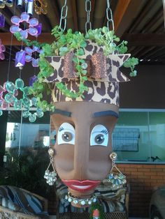 DIY Face Shaped Painted Plastic Bottle Planters - Balcony Decoration Ideas in Every Unique Detail Recycled Planters, Recycled Bottles, Diy Planters, Recycled Art, Plastic Bottle Planter, Plastic Bottle Crafts, Recycle Plastic Bottles, Plastic Jugs, Flower Pot People