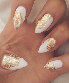 Golden Lace Cute White Nail Art Designs