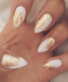 Golden Lace Cute White Nail Art Designs
