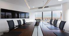 Sala de reuniões nos escritórios da JLL em Lisboa, Portugal