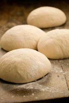 Paula Deen's pizza dough recipe -another pinner said: the best homemade pizza dough I've ever had Pizza Recipes, Bread Recipes, Cooking Recipes, Paula Deen, Bread Baking, Cookies Et Biscuits, Love Food, Food And Drink, Favorite Recipes